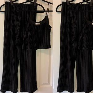 Urban Outfitters Cropped Lounge Set - size Small